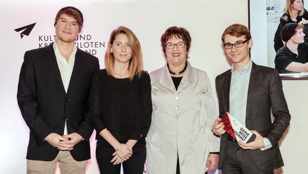 Auszeichnung mit dem Kultur-und Kreativpiloten Award mit Brigitte Zypries