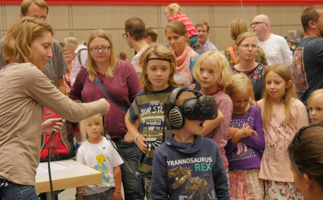 Begeisterte Kinder auf der Maker Faire Hannover_3